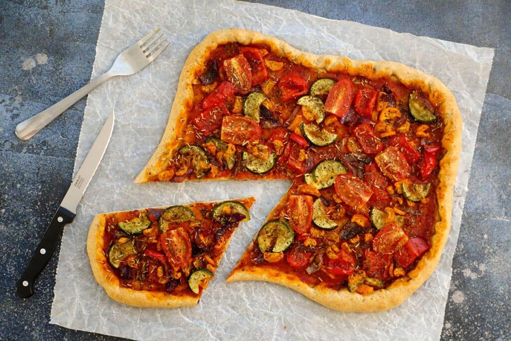 Vegane Pizza mit Gemuese