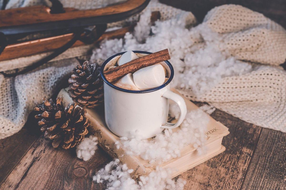 entspannen an weihnachten mit einer tasse tee