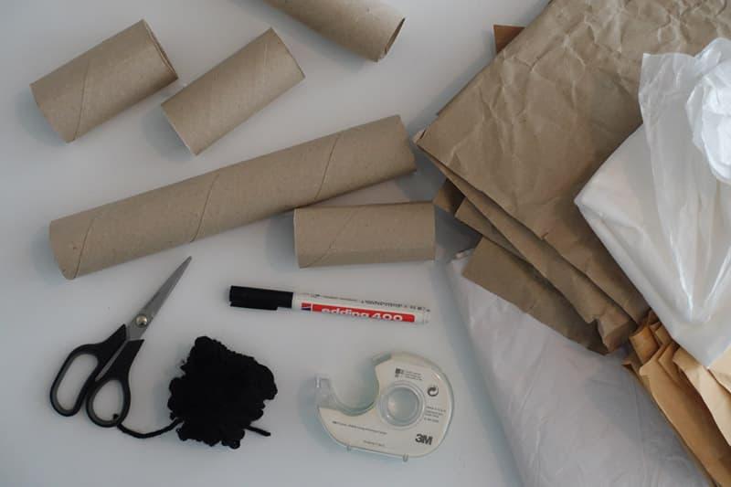 Material um einen Adventskalender aus Klorollen zu basteln