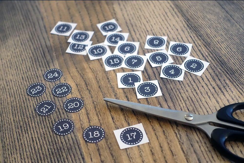 Die Adventskalender Nummern ausdrucken und ausschneiden