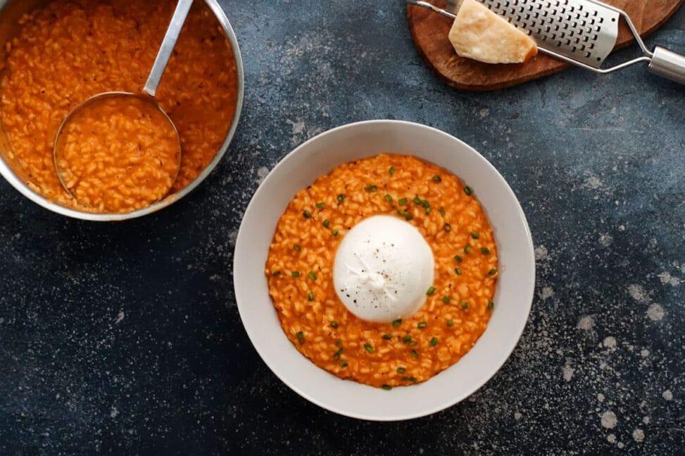 Paprikarisotto auch Peperoni-Risotto mit Burrata im Rezept