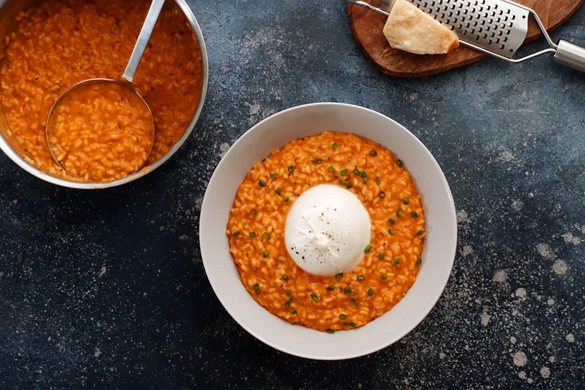Peperoni-Risotto auch Paprikarisotto mit Burrata im Rezept